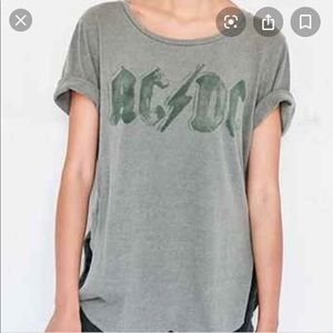 "AC/DC ""vintage"" t-shirt from Urban Outfitters"